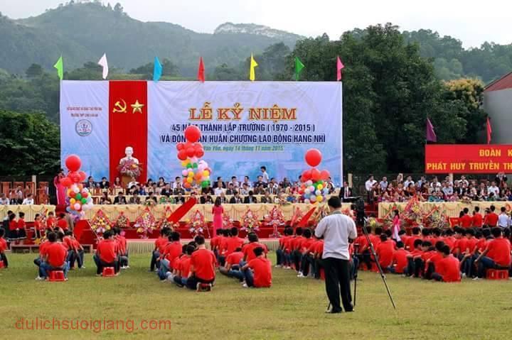 truong-chu-van-an-don-nhan-huan-chuong-lao-dong-2