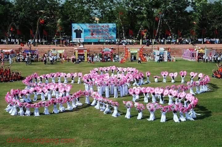 truong-chu-van-an-don-nhan-huan-chuong-lao-dong-5