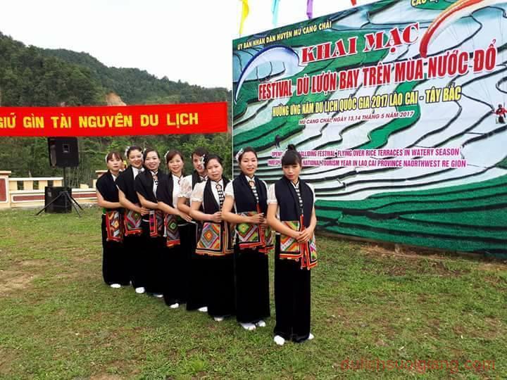 mu-cang-chai-khai-mac-du-luon-bay-tren-mua-nuoc-do