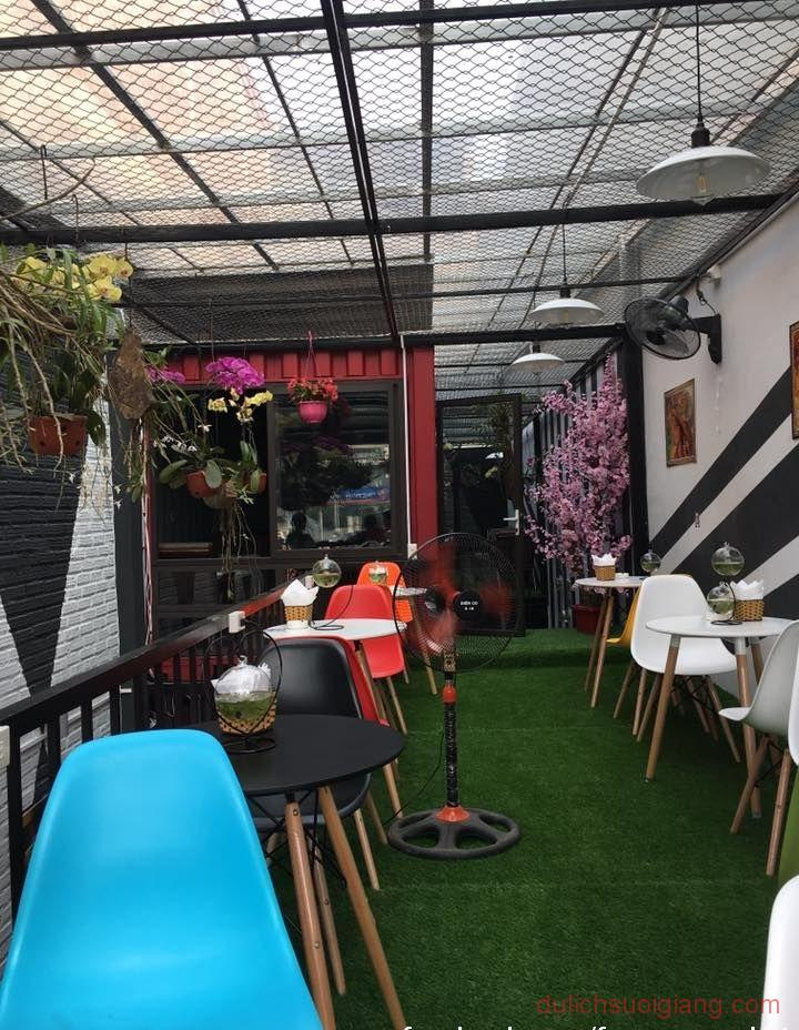 bo-tui-nhung-quan-cafe-dep-tai-thanh-pho-yen-bai-Container-Cafe1