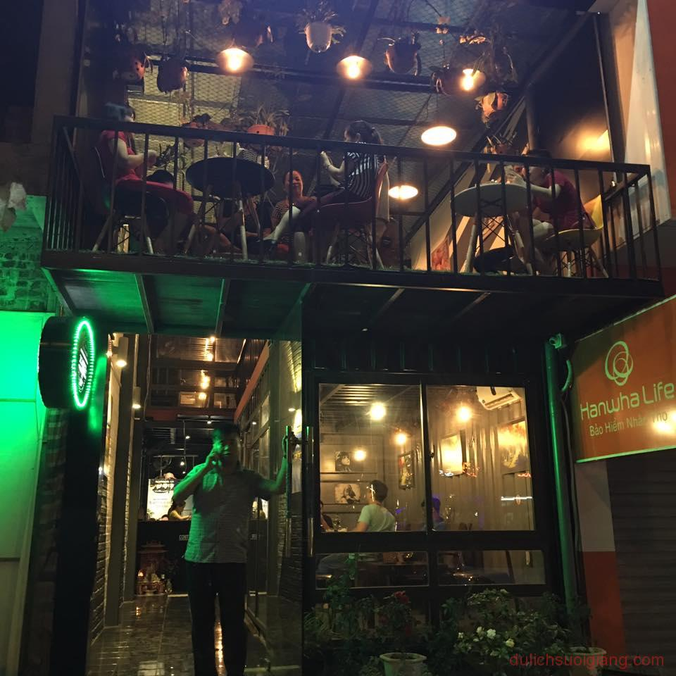 bo-tui-nhung-quan-cafe-dep-tai-thanh-pho-yen-bai-Container-Cafe7