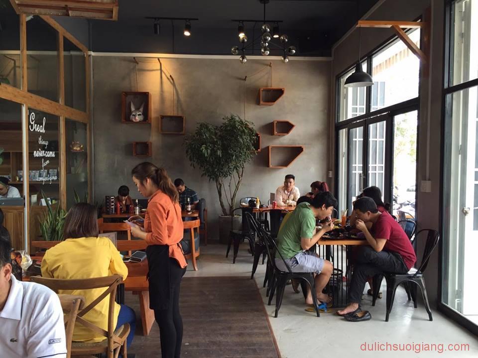 bo-tui-nhung-quan-cafe-dep-tai-thanh-pho-yen-bai-Pubu-Foods-Drinks8