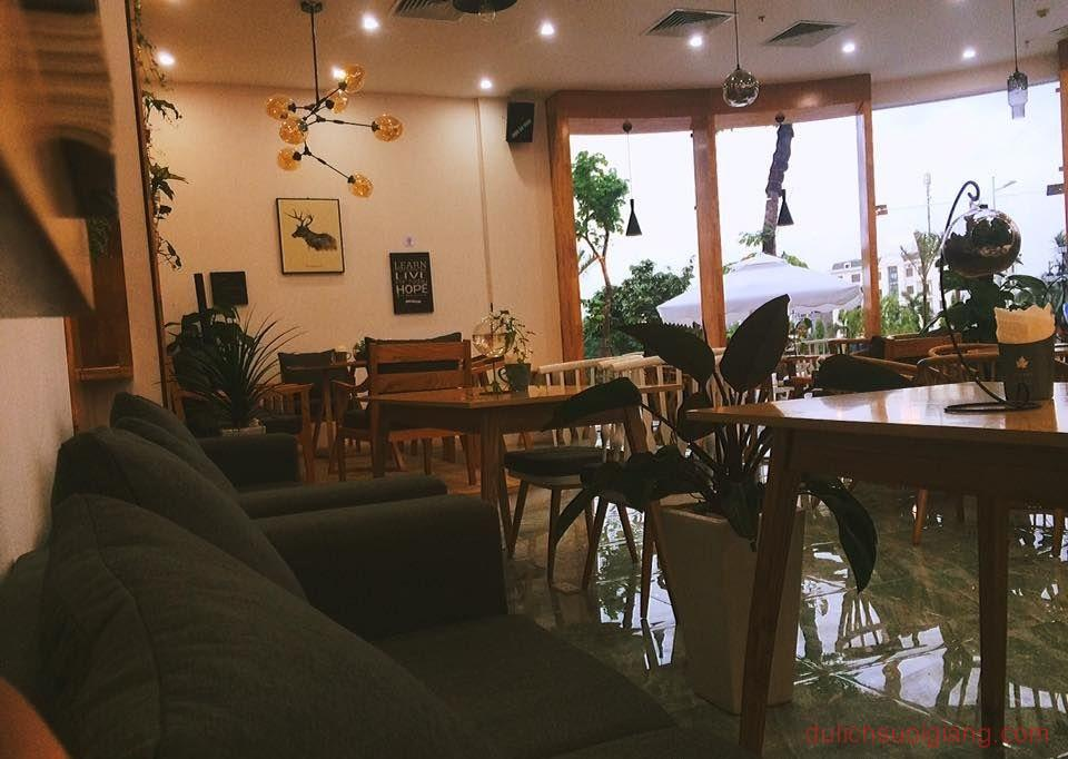 bo-tui-nhung-quan-cafe-dep-tai-thanh-pho-yen-bai-Synary – Coffee-Tea-Room2