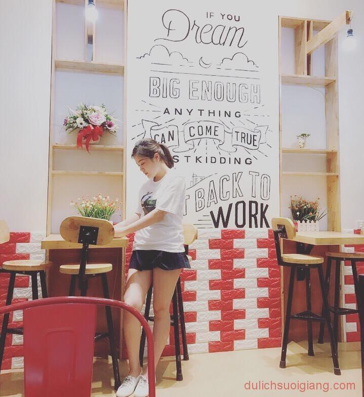 bo-tui-nhung-quan-cafe-dep-tai-thanh-pho-yen-bai-Xing-Cha4