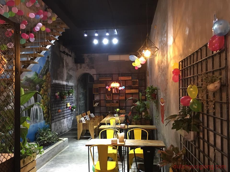 bo-tui-nhung-quan-cafe-dep-tai-thanh-pho-yen-bai-ding-tea-2