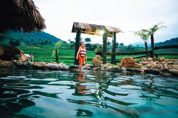 kham-pha-suoi-khoang-nong-tai-tram-tau-14