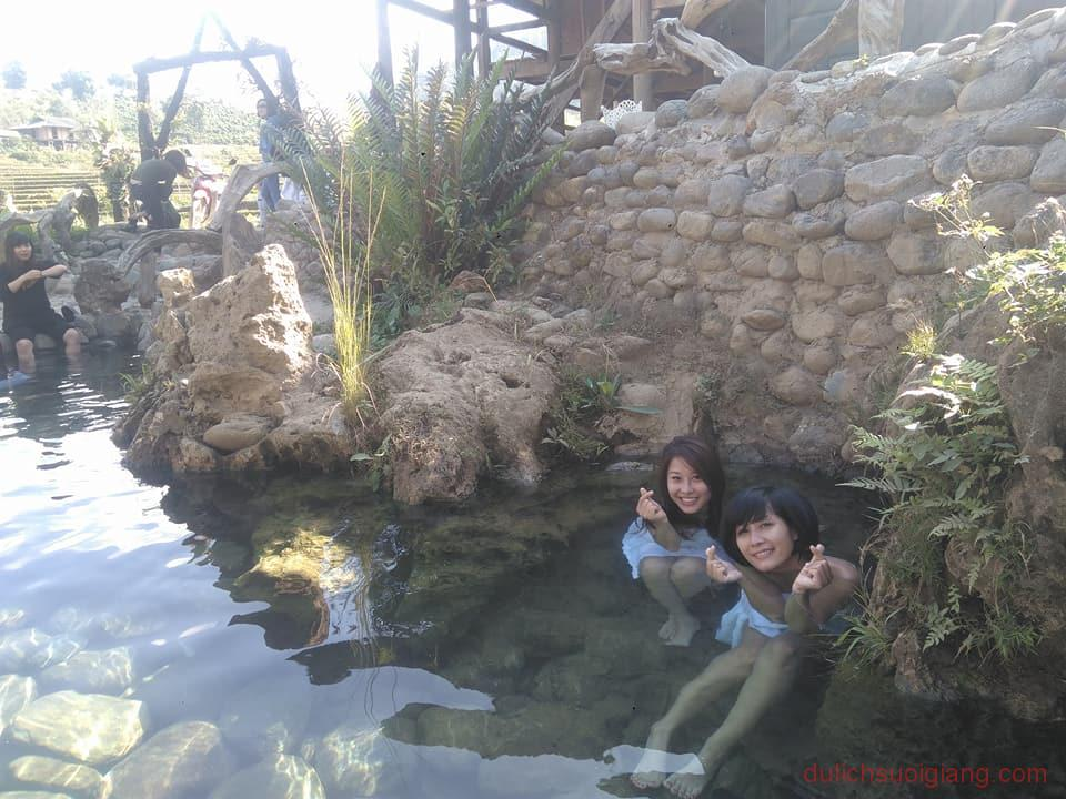 tham-quan-suoi-nuoc-nong-tram-tau-yen-bai (5)