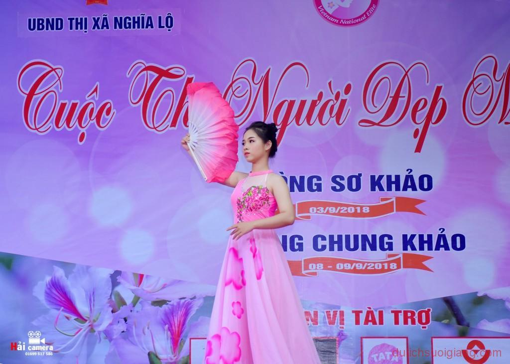 chung-khao-cuoc-thi-nguoi-dep-muong-lo-102