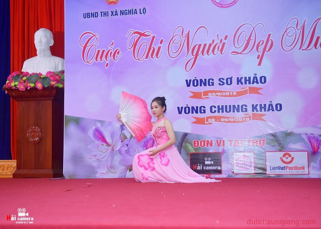 chung-khao-cuoc-thi-nguoi-dep-muong-lo-103