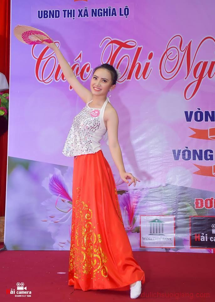 chung-khao-cuoc-thi-nguoi-dep-muong-lo-106