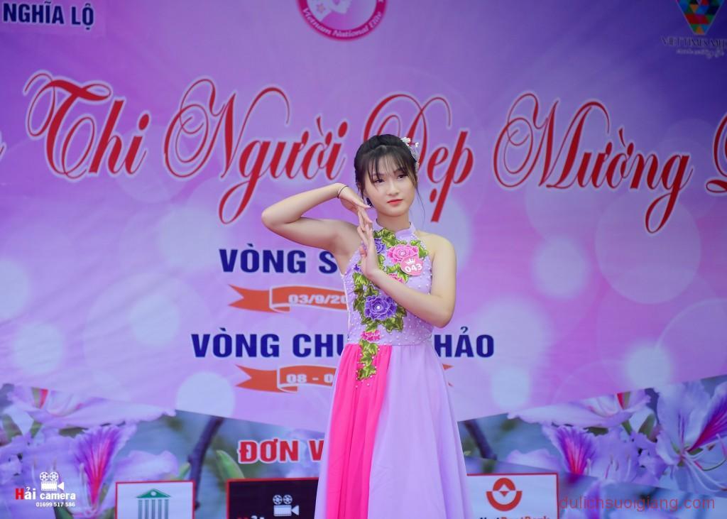 chung-khao-cuoc-thi-nguoi-dep-muong-lo-107