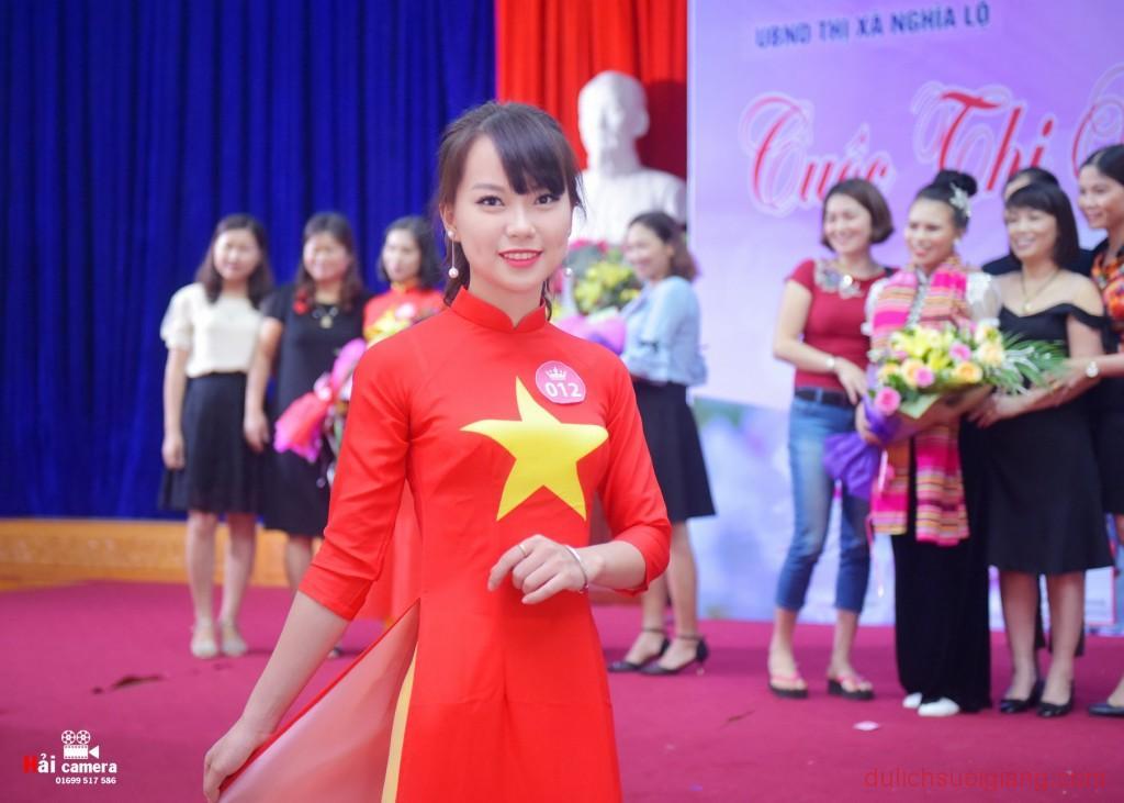 chung-khao-cuoc-thi-nguoi-dep-muong-lo-114