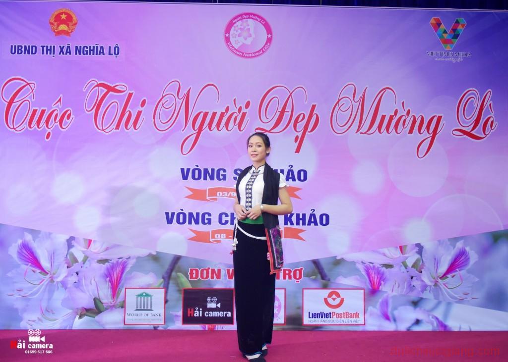 chung-khao-cuoc-thi-nguoi-dep-muong-lo-116