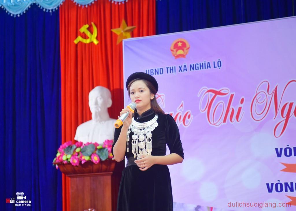 chung-khao-cuoc-thi-nguoi-dep-muong-lo-122