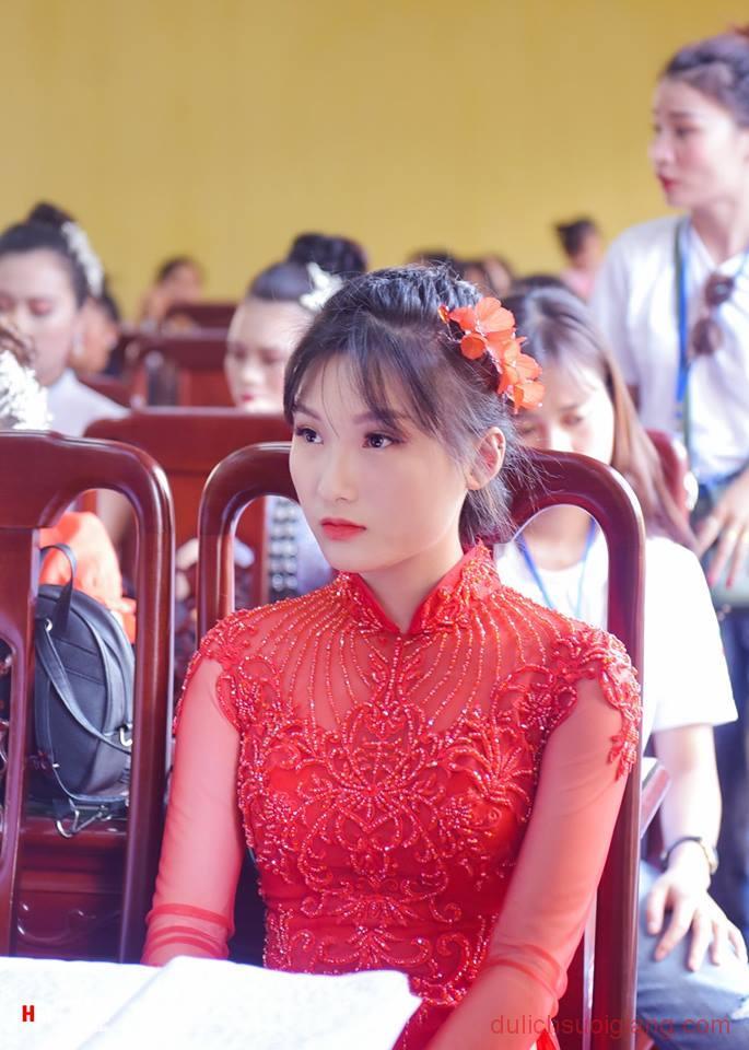 chung-khao-cuoc-thi-nguoi-dep-muong-lo-130