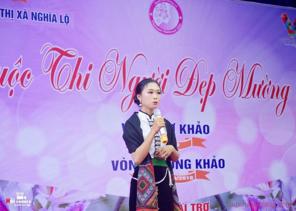 chung-khao-cuoc-thi-nguoi-dep-muong-lo-137