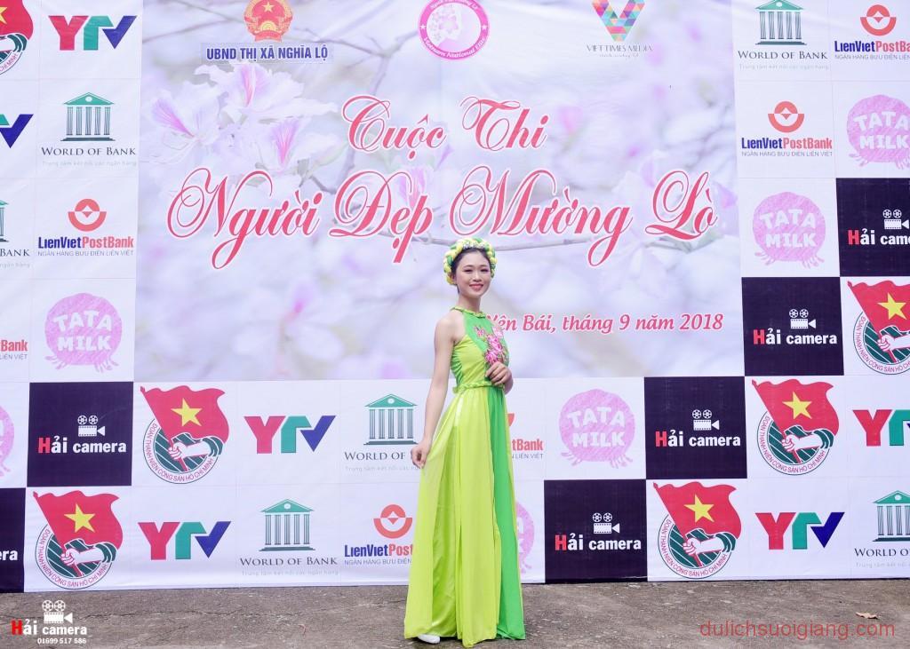 chung-khao-cuoc-thi-nguoi-dep-muong-lo-14