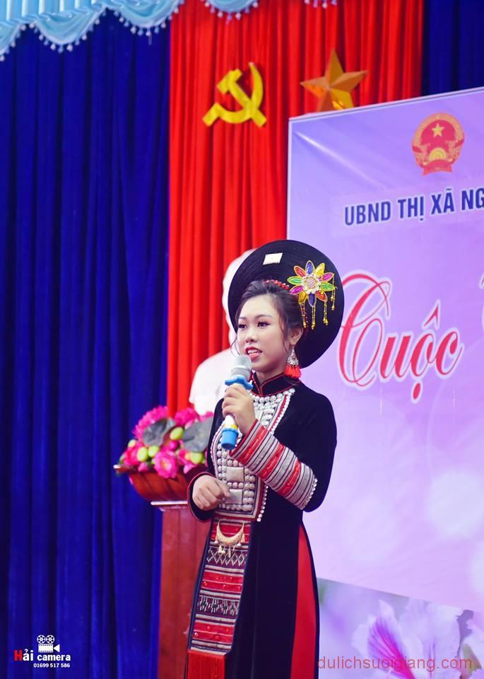 chung-khao-cuoc-thi-nguoi-dep-muong-lo-141
