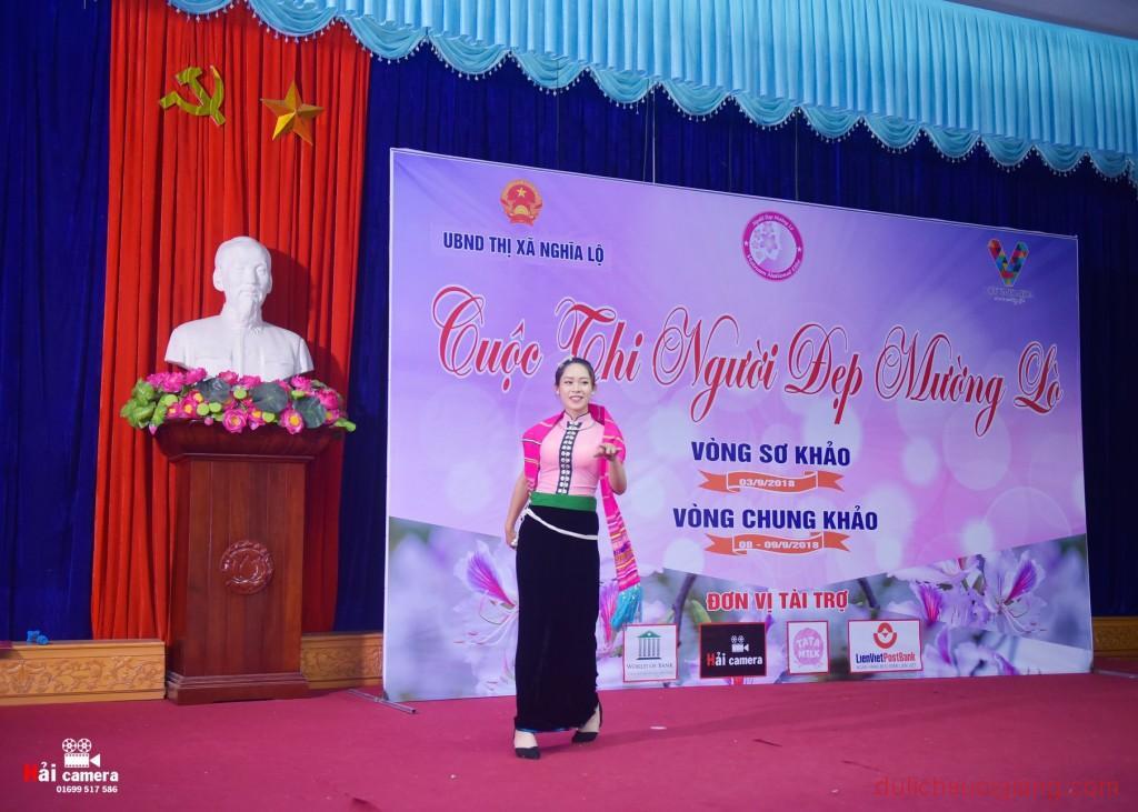 chung-khao-cuoc-thi-nguoi-dep-muong-lo-150