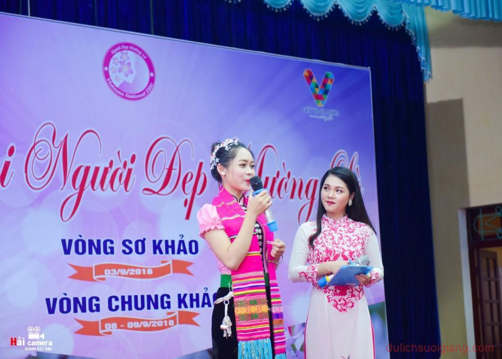 chung-khao-cuoc-thi-nguoi-dep-muong-lo-153