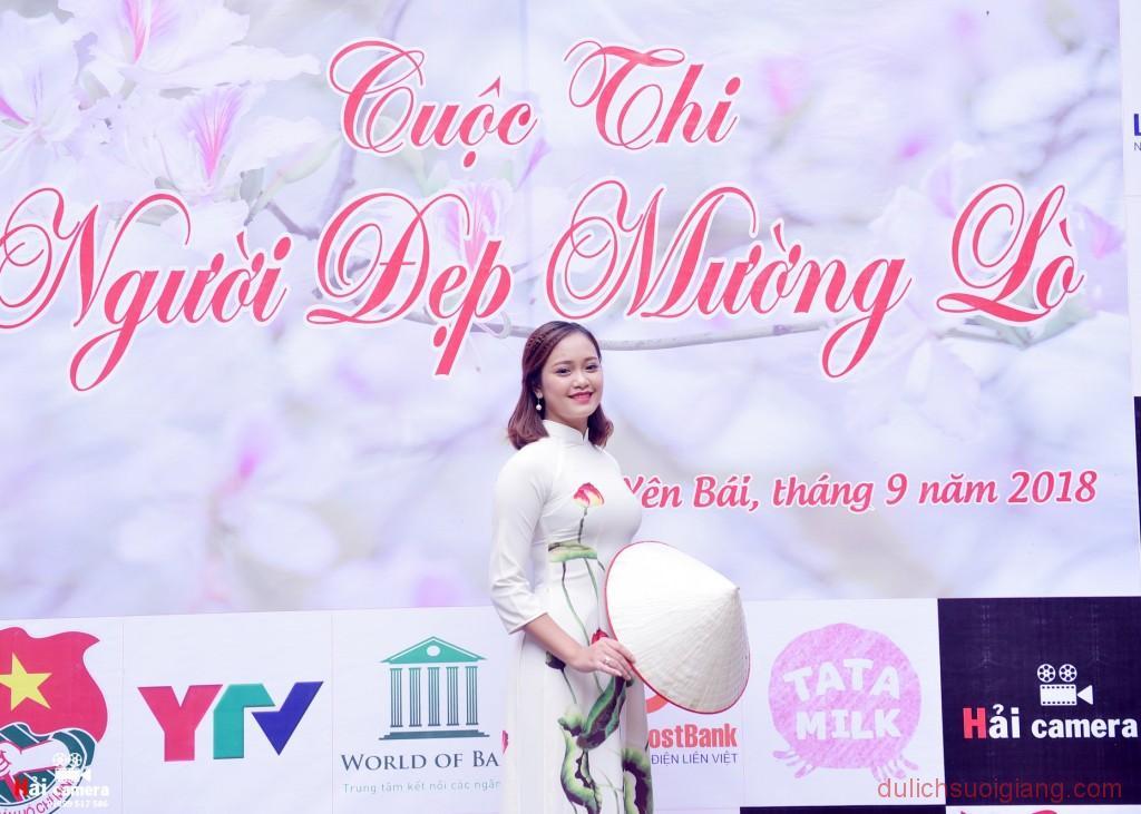 chung-khao-cuoc-thi-nguoi-dep-muong-lo-22