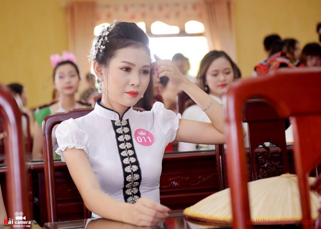 chung-khao-cuoc-thi-nguoi-dep-muong-lo-36