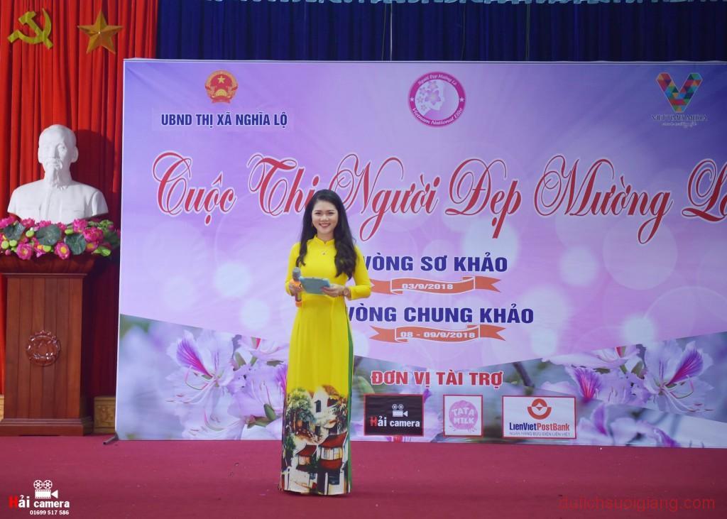chung-khao-cuoc-thi-nguoi-dep-muong-lo-39