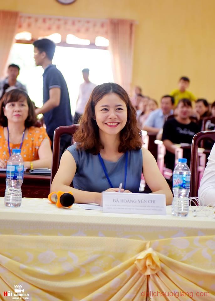 chung-khao-cuoc-thi-nguoi-dep-muong-lo-42