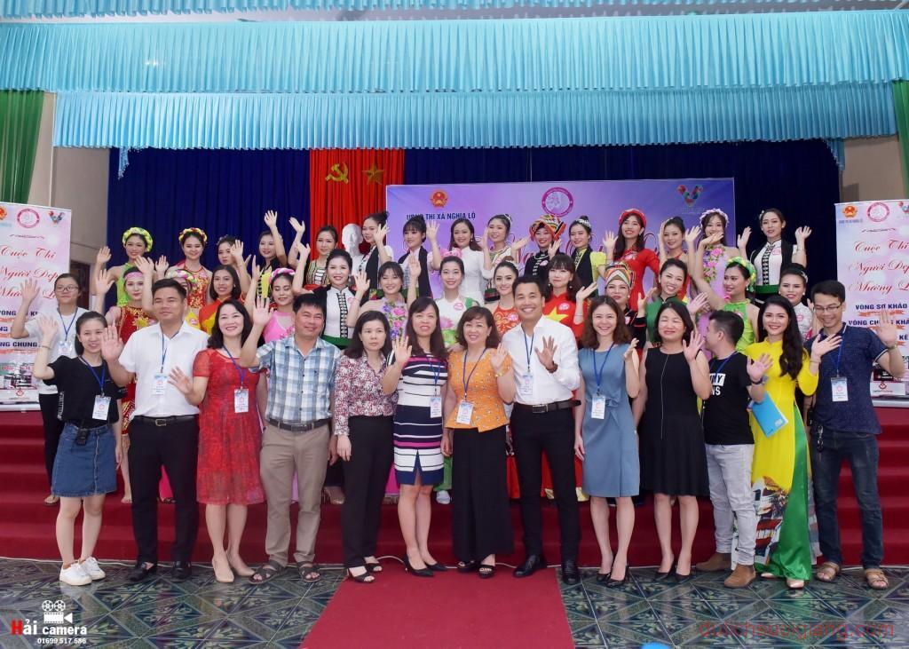 chung-khao-cuoc-thi-nguoi-dep-muong-lo-43
