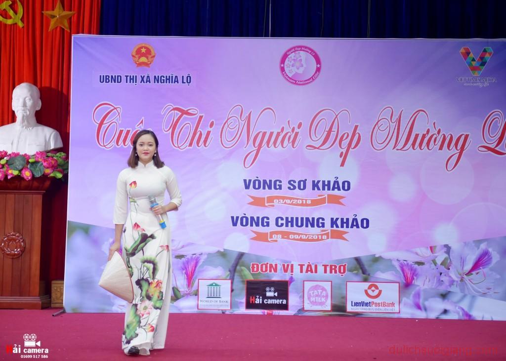 chung-khao-cuoc-thi-nguoi-dep-muong-lo-46