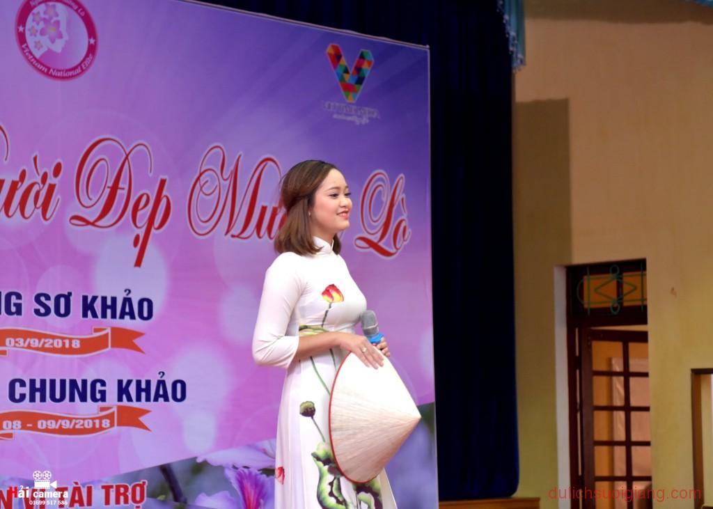 chung-khao-cuoc-thi-nguoi-dep-muong-lo-49