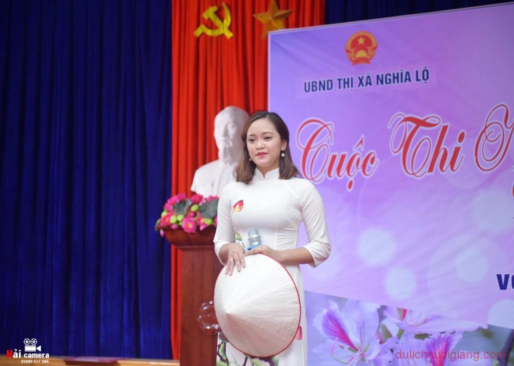 chung-khao-cuoc-thi-nguoi-dep-muong-lo-51
