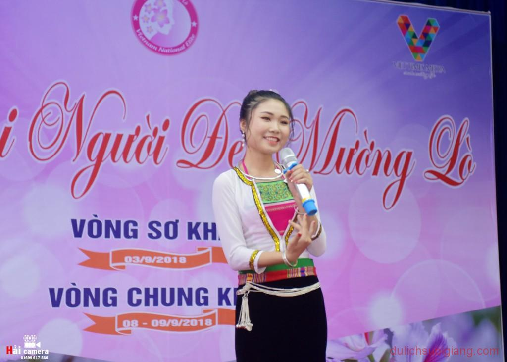 chung-khao-cuoc-thi-nguoi-dep-muong-lo-58