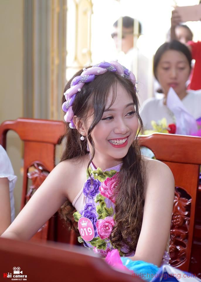 chung-khao-cuoc-thi-nguoi-dep-muong-lo-59