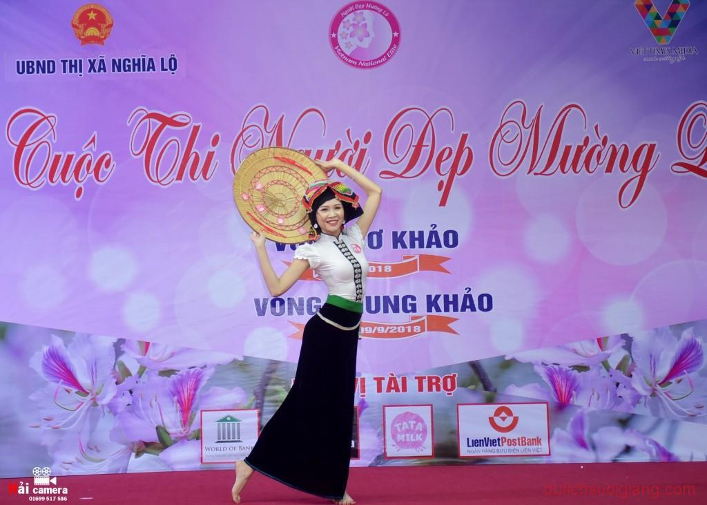 chung-khao-cuoc-thi-nguoi-dep-muong-lo-68
