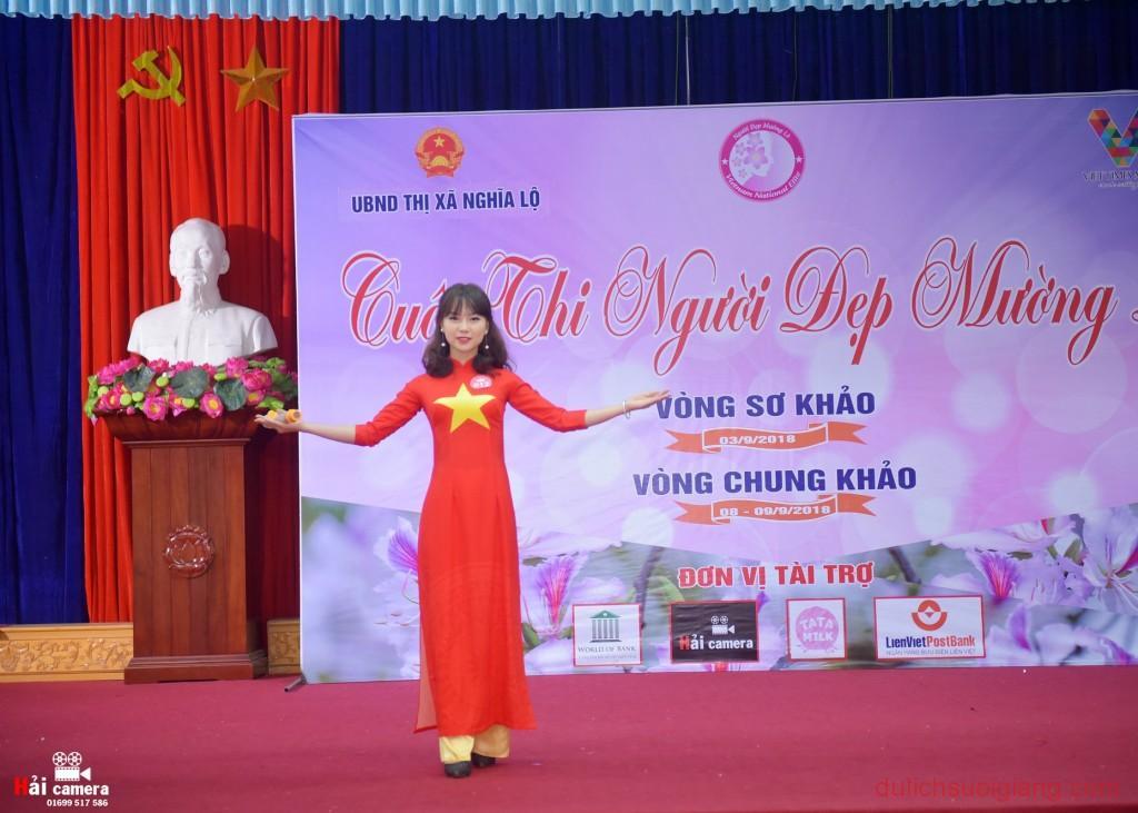 chung-khao-cuoc-thi-nguoi-dep-muong-lo-76