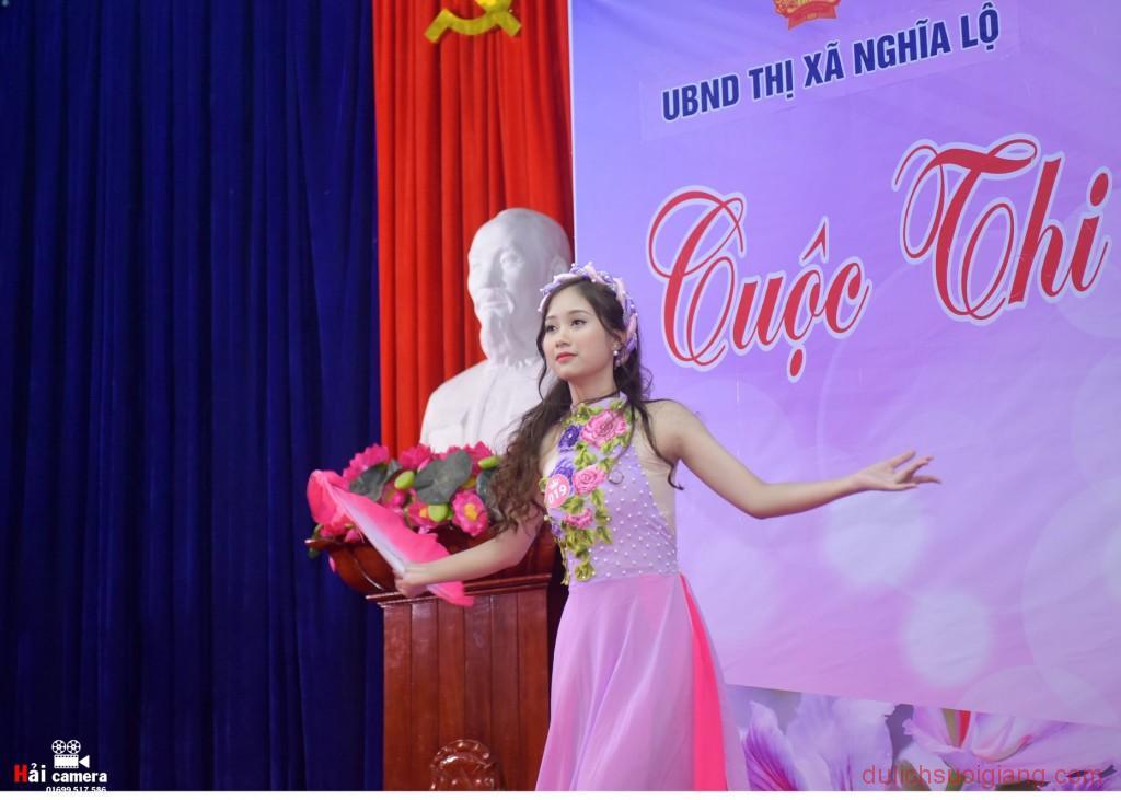 chung-khao-cuoc-thi-nguoi-dep-muong-lo-84