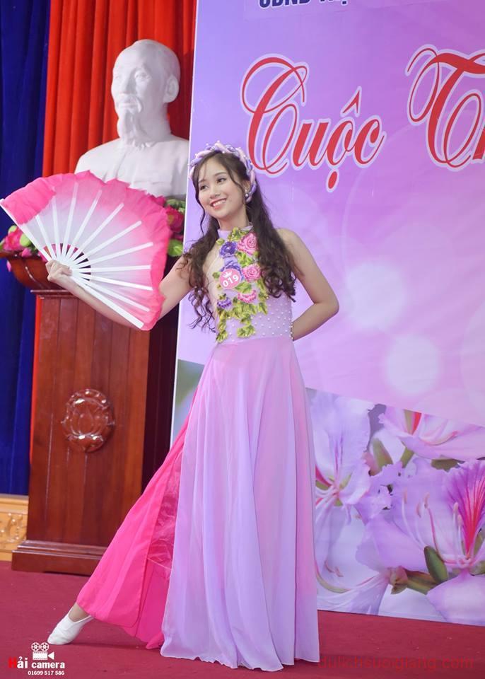 chung-khao-cuoc-thi-nguoi-dep-muong-lo-86