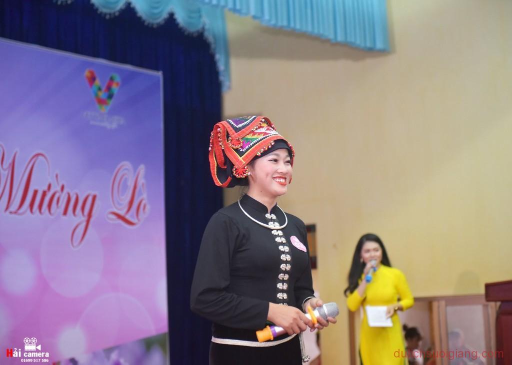chung-khao-cuoc-thi-nguoi-dep-muong-lo-88
