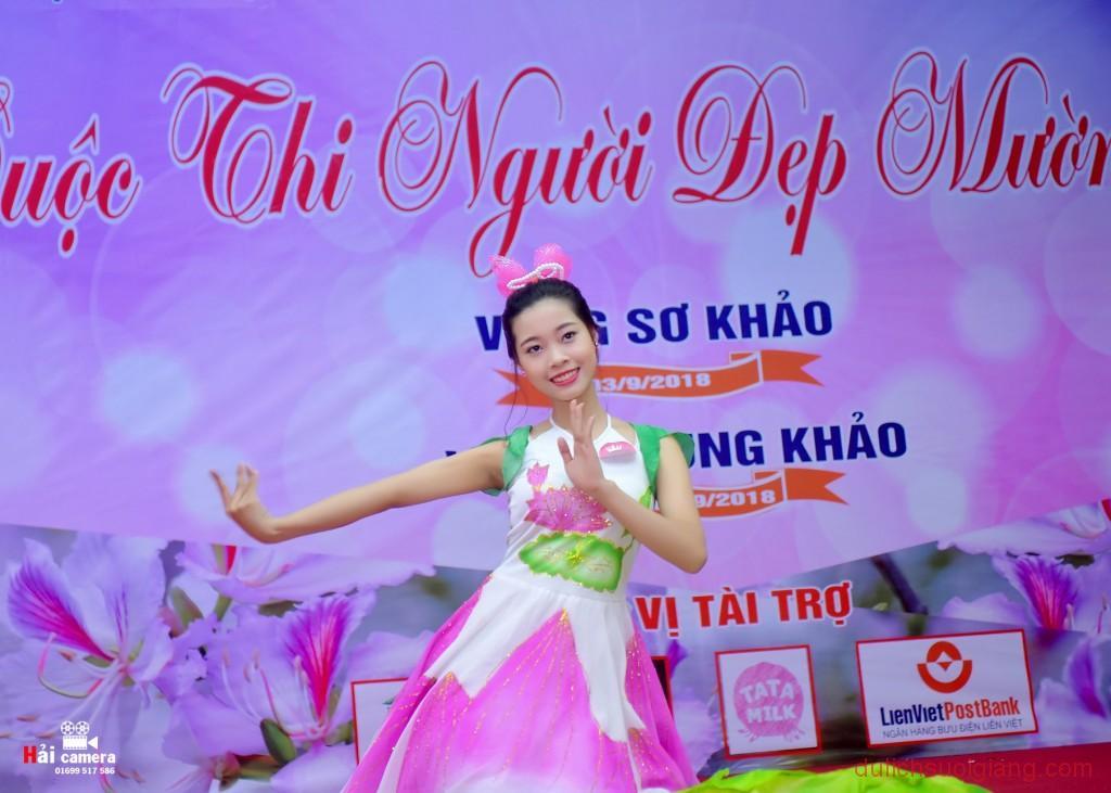 chung-khao-cuoc-thi-nguoi-dep-muong-lo-97