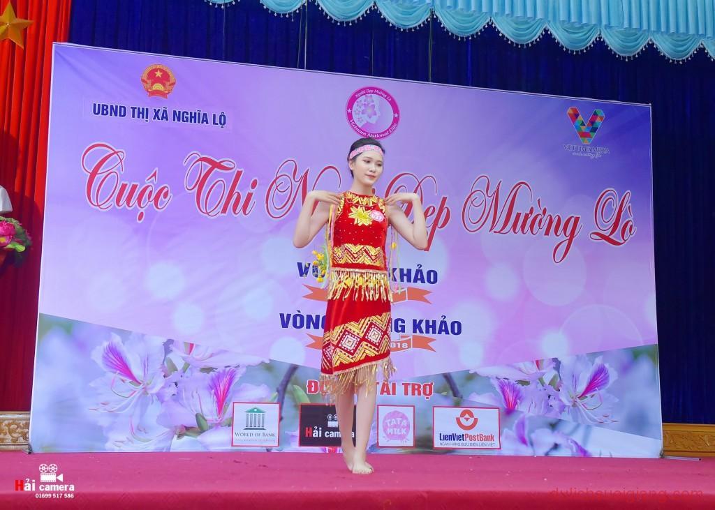 chung-khao-cuoc-thi-nguoi-dep-muong-lo-98