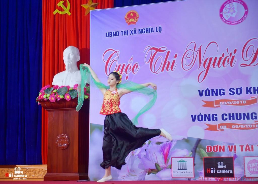 chung-khao-cuoc-thi-nguoi-dep-muong-lo-99