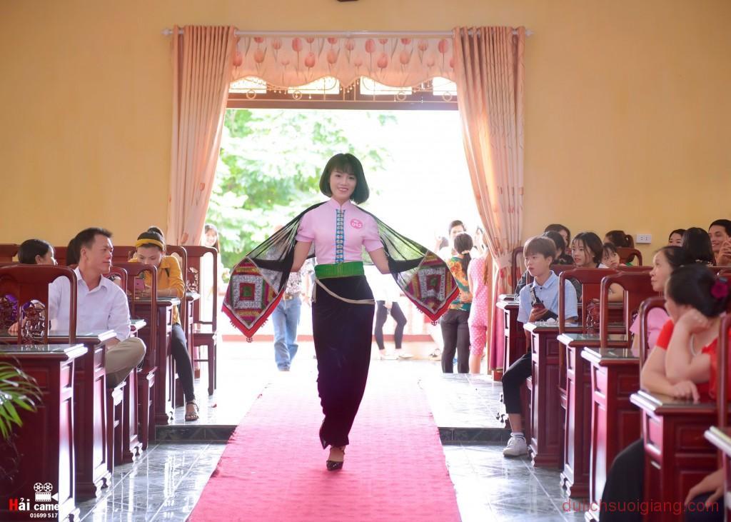 so-khao-cuoc-thi-nguoi-dep-muong-lo-2018-45