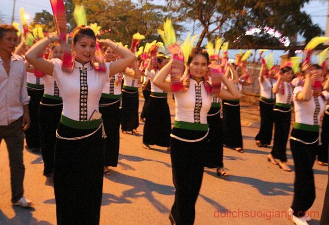 dieu-dien-duong-pho-tai-nghia-lo3