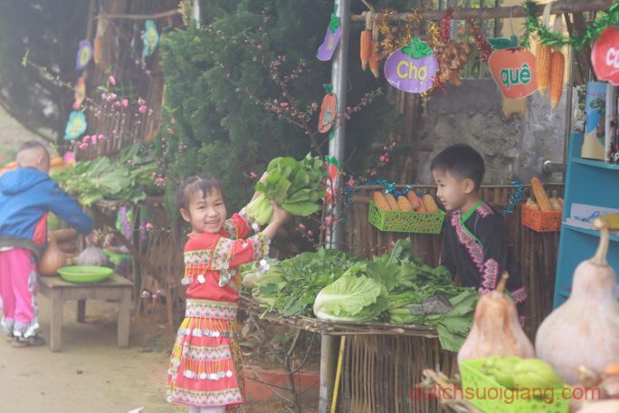 lop-hoc-chia-se-tai-suoi-giang-yen-bai-sharingclasssuoigiang1