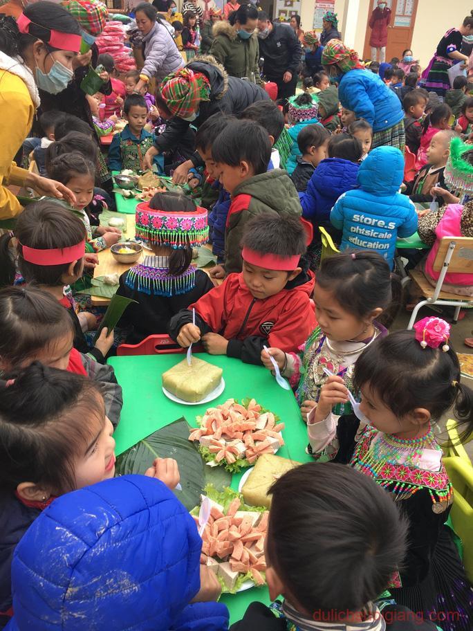 lop-hoc-chia-se-tai-suoi-giang-yen-bai-sharingclasssuoigiang2